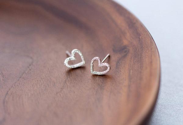 silver heart earring studs